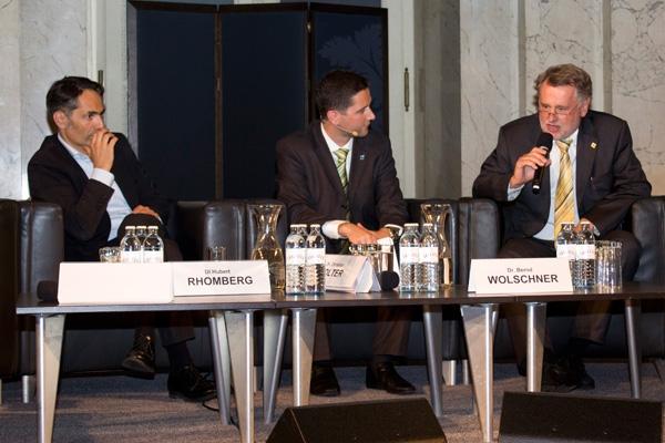 Geschäftsführer der Rhomberg Holding GmbH, Moderator Hannes Offenbacher (Mehrblick), Dr. Bernd Wolschner: Vorstandsmitglied der SW Umwelttechnik Stoiser & Wolschner AG